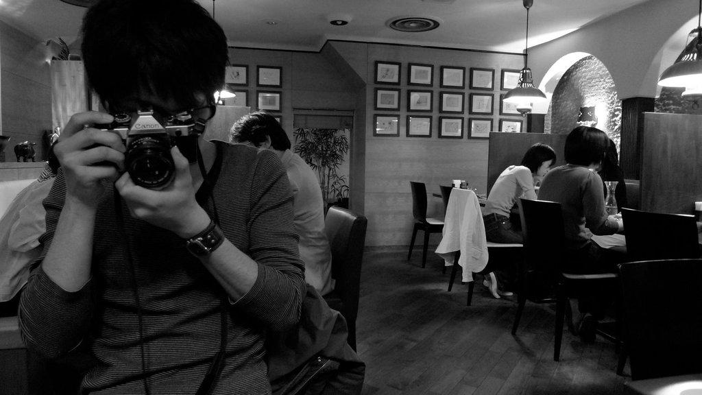 銀座のレストランにて