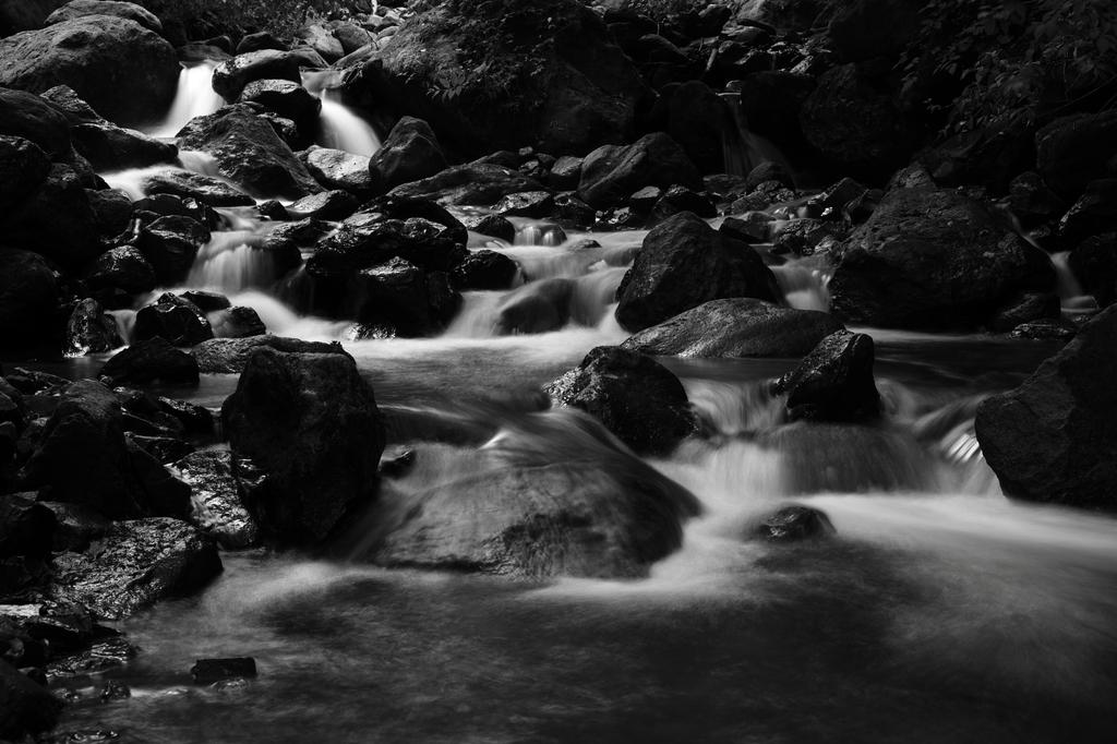 神の湯の渓流