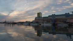 夕刻の釧路港