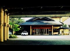 ホテル萬国屋の玄関