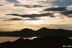 宮島に落ちる太陽