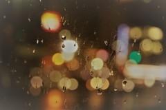 雨は夜更け過ぎに