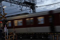 世界遺産の中を走る電車