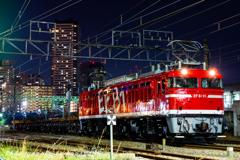東高島駅にEF81-95入線