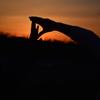 二人で作った夕陽影絵