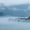 川霧とともに迎える朝