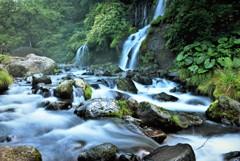夏の吐竜の滝