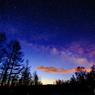 夜明け前の天の川と流れ星-2