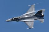 高速で飛ぶF-16を追尾した!