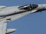これがF-18のコックピット!