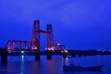 赤い橋とクロスフィルター