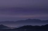 朝霧が広がる夜明け前