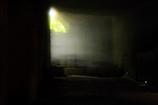 光さす洞穴
