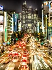 新宿駅南口の歩道橋から見た新宿副都心方面