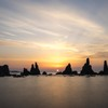 日の出と橋杭岩