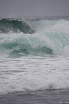 エメラルドグリーンの海④