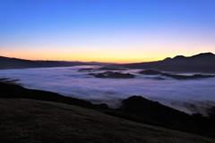 日の出間近の雲海