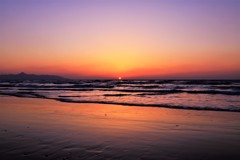 夕日が海に沈む時
