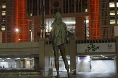 「mari」_東京都庁都民広場