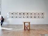 写真展の「対話の空間」。