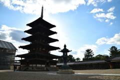 晴天の五重塔