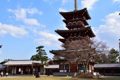 薬師寺 三重塔(西塔)と中門