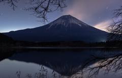 夜更けの富士