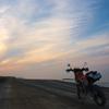 単車のある夜明けの風景 4
