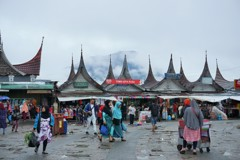 雨後のマーケット~インドネシア Market after a squall