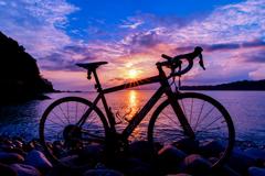 海辺の早朝サイクリング