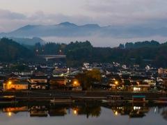 田舎町の朝霧