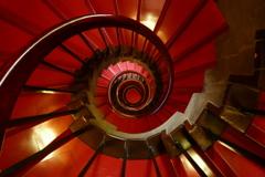 螺旋階段<赤>