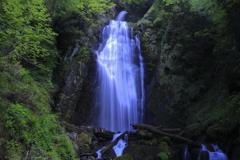 みかえりの滝