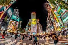 夜の渋谷。