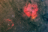 ケフェウス座のIC1396(右)とSh2-129(左下)