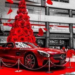 グランフロント大阪 赤いクリスマスツリー