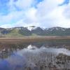 池塘に映える景鶴山