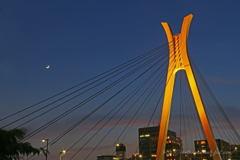 中央大橋の夕景
