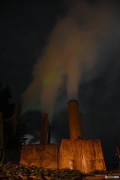 夜空へ舞う蒸気