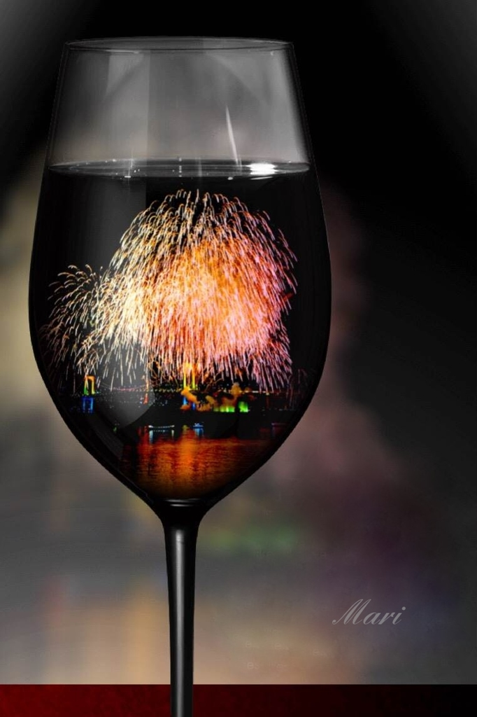 花火風味のワイングラスでプレ金を乾杯!