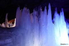 氷柱のライトアップ