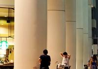 SONY ILCE-7M2で撮影した(自転車に乗って語らう二人 )の写真(画像)