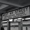 4丁目の地下鉄駅 NY