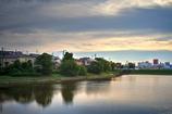 湖畔の宿の黄昏をイメージして