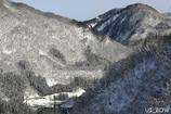 雪積もる山あい路線
