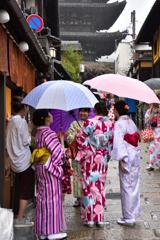 雨の京都散歩<八坂道>