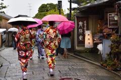 雨の京都散歩<二年坂>