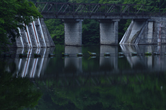 初夏の湖ーⅡ