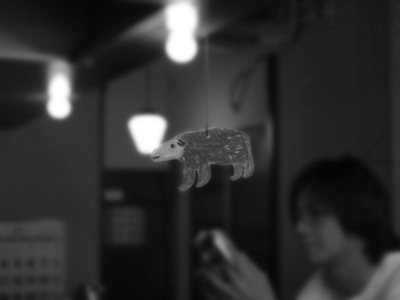 カフェに住む白熊