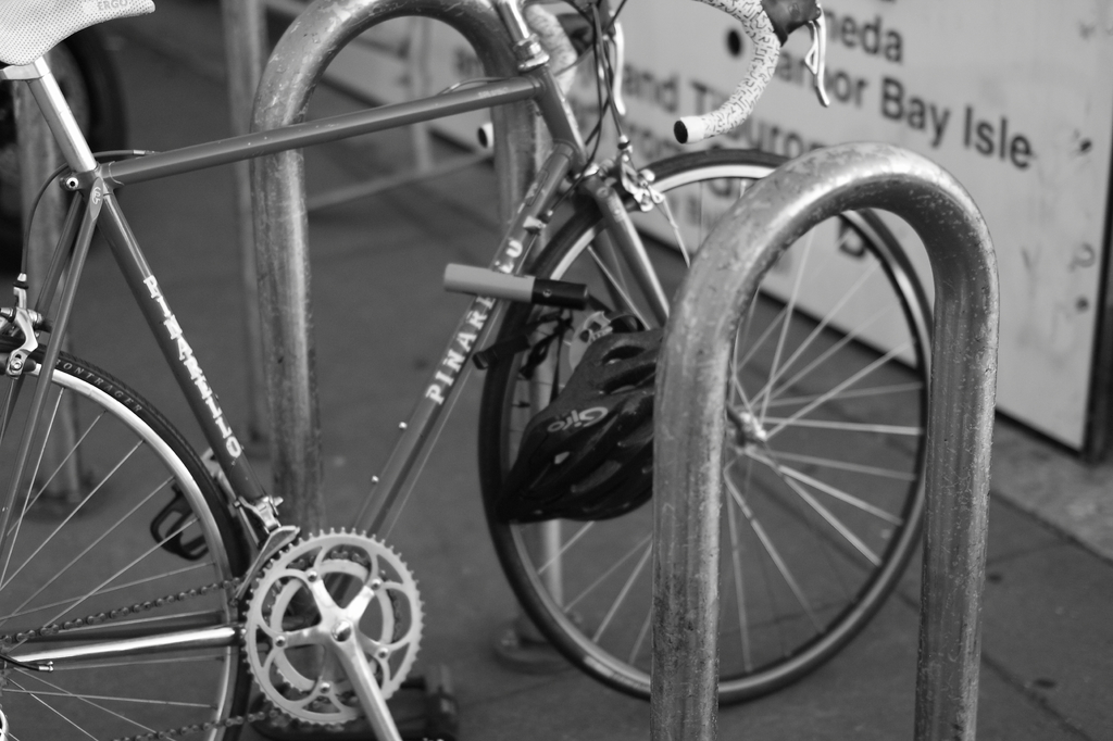monocrome bicycle -lens test-